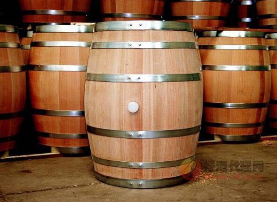 儲藏葡萄酒用什么容器,陳年葡萄酒的容器選擇