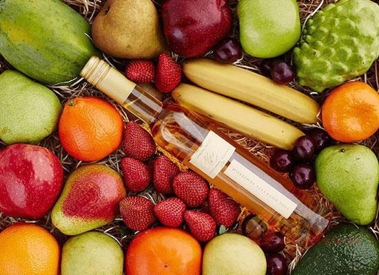 空腹可以喝果酒吗,饮用果酒应该注意哪些问题