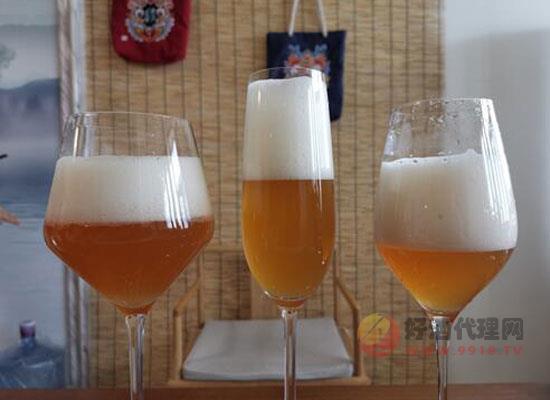 喝啤酒你还在对瓶吹吗,这才是啤酒的正确饮用方式
