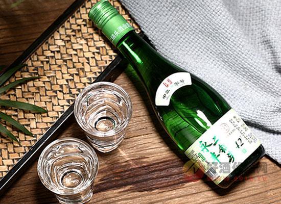 永豐牌北京二鍋頭酒價格貴嗎,清雅綠波一箱多少錢