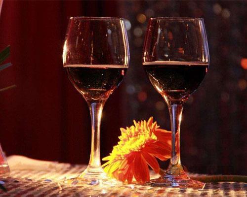 葡萄酒配餐应该怎么搭,餐酒搭配三大准则你了解一下