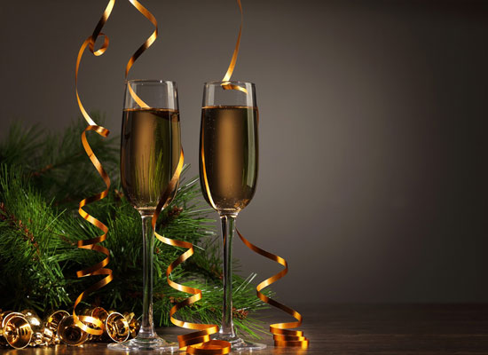 香槟的酒精度高吗,为什么喝香槟容易醉