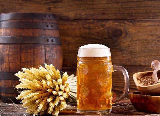 夏季為什么要喝啤酒,喝啤酒的好處有哪些