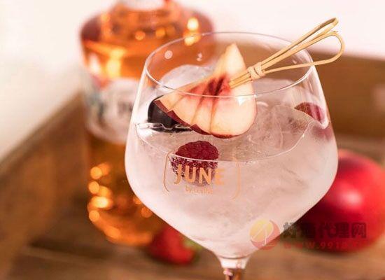 适合夏季饮用的利口酒有哪些,纪恩蜜桃金酒为夏季而生