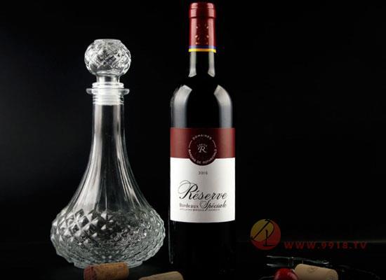 拉菲珍藏級葡萄酒,飲之美味,送禮有面