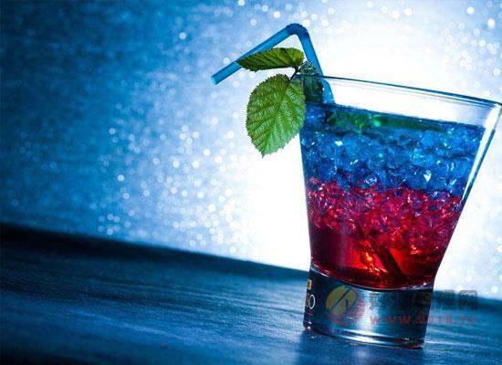 苏打酒是什么酒,苏打酒与鸡尾酒有什么不同