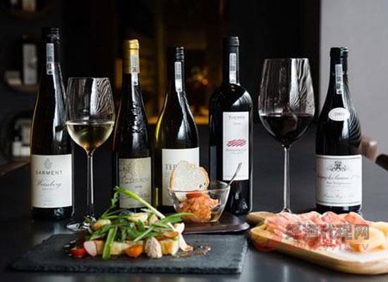 如何区分一瓶葡萄酒的成熟程度,检测方法详细介绍