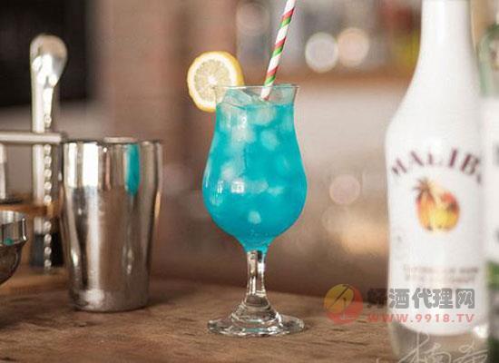 蓝色夏威夷鸡尾酒配方,简单的调酒方法介绍