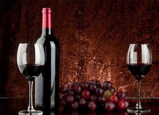 葡萄酒酒标重要吗,上面的内容有哪些