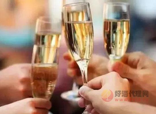 香檳酒原料是什么,怎么釀造的