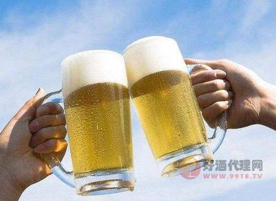 喝完啤酒多久可以開車,多久才能不被查出酒駕