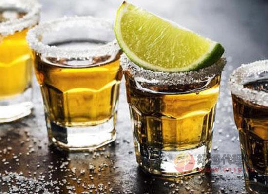 龙舌兰酒怎么喝好喝,教你几种好喝的饮用方式
