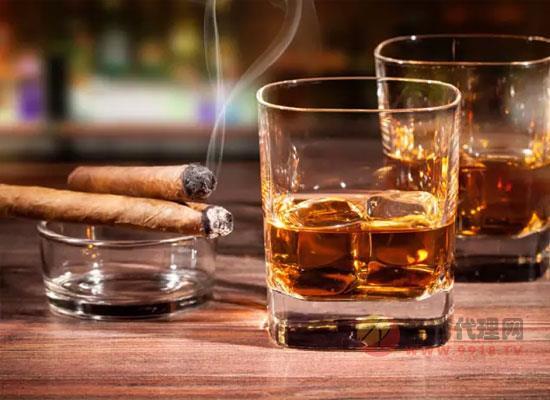 世界三大烈酒是哪些,各自的喝法是什么
