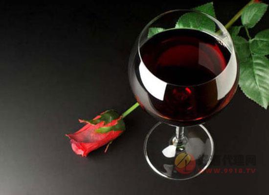 为什么红酒不倒满,这里面有什么讲究