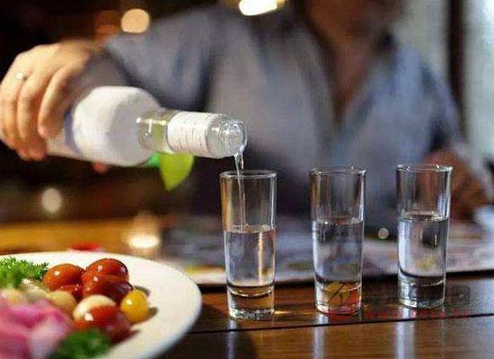 酒文化知識之喝酒講究,國慶聚餐喝酒指南