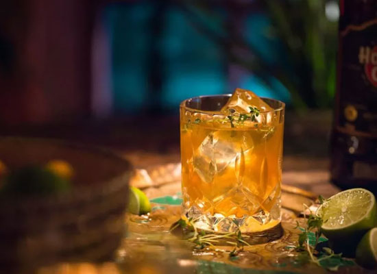 天凉好个秋,何不来杯酒,适合秋季饮用的鸡尾酒推荐