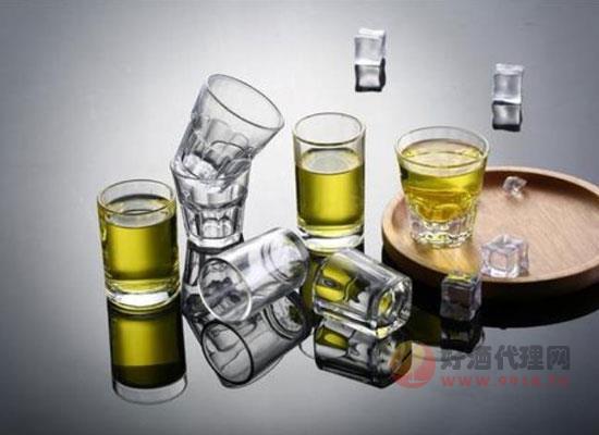 白酒和啤酒一起喝有什么危害,這些你都了解嗎
