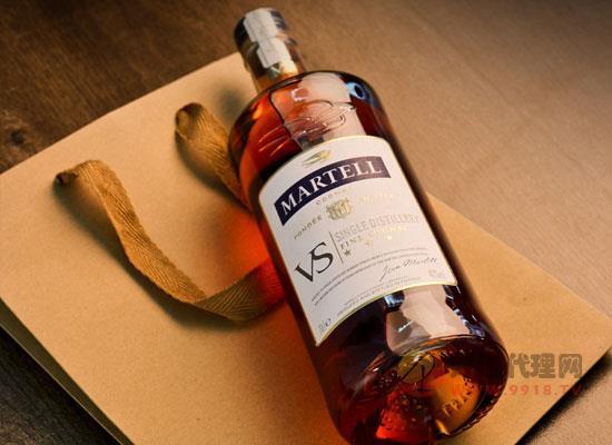 馬爹利藍色雨燕斯威士忌,尊貴彰顯,品質造就