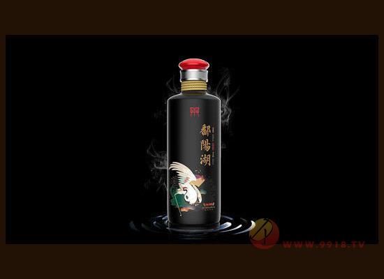 高端光瓶酒應該如何營銷,新風口下的運營之道了解一下