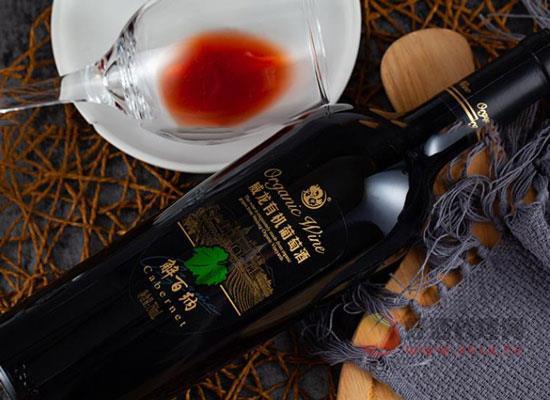威龍有機解百納干紅葡萄酒,骨架結實,酒體適中