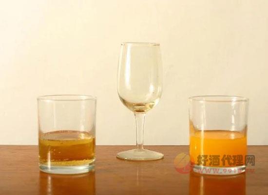 含羞草鸡尾酒配方,教你怎么调制美味的含羞草鸡尾酒