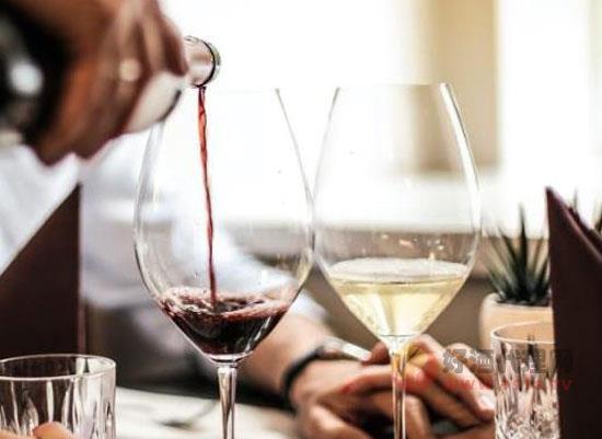 冰酒和紅酒有什么區別,喝起來有什么不同