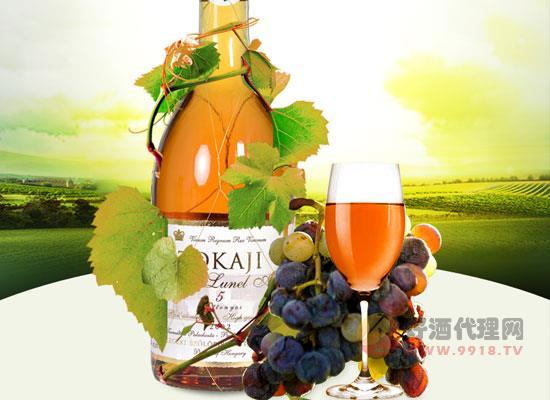 托卡依甜白葡萄酒的特點是什么,時光沉淀后的回憶