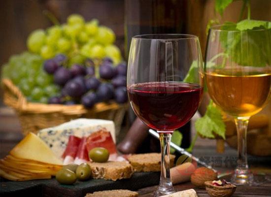 葡萄酒的倒酒方式有几种,各自所具备的特点什么