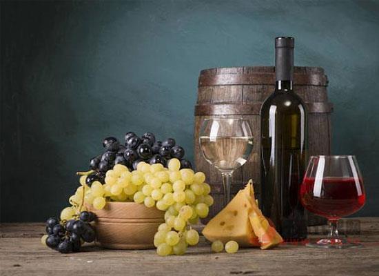 哪些美食适合品酒吃,品酒吃什么比较合适