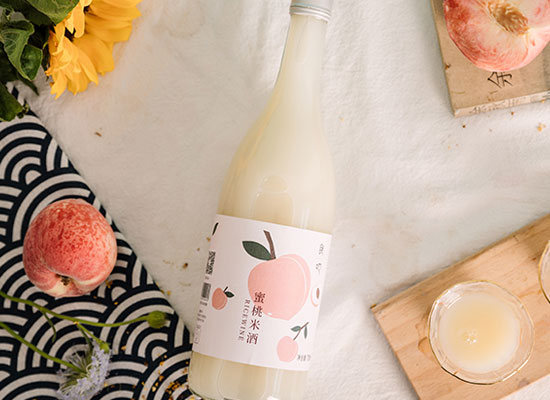 食吔甜糯米酒哪款好,桂花清香,蜜桃浓郁