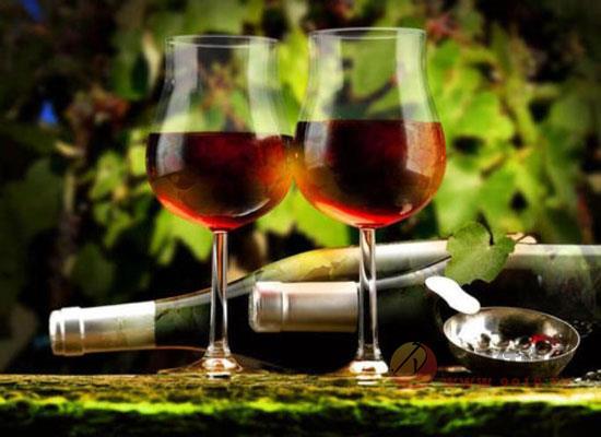 干红葡萄酒的特点描述,干红葡萄酒有什么特点