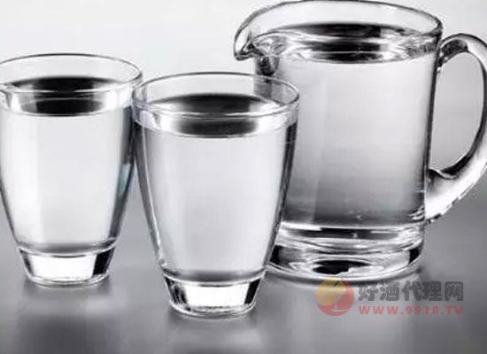 为什么喝酒时要喝水,这样操作的原因是什么
