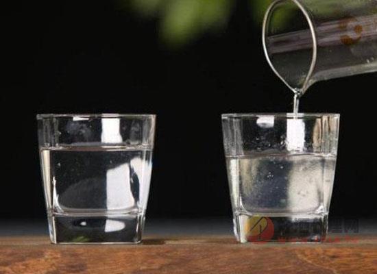 酒精酒和粮食酒怎么区分,两者的不同之处在哪里