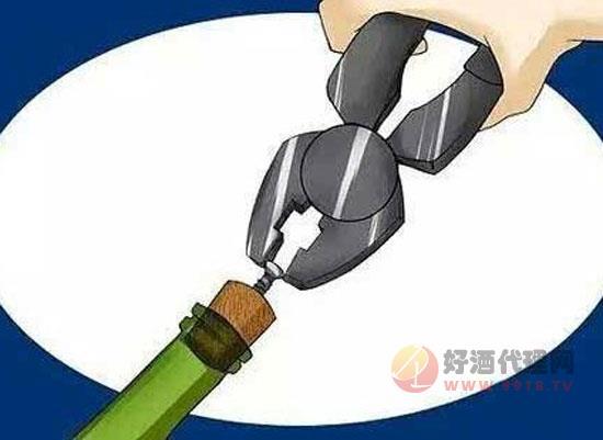 红酒没有开瓶器怎么开,教你几招轻松喝到美酒