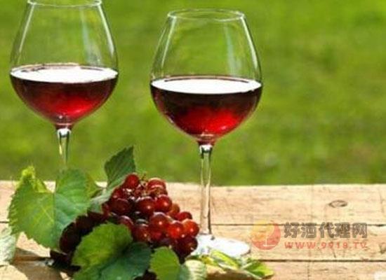 贵腐酒和冰酒的区别,它们各自的特点是什么