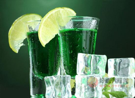 冰块对鸡尾酒重要吗,鸡尾酒制作冰块的作用是什么