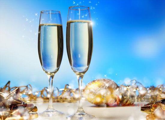 香槟酒的特点是什么,日常饮用香槟的好处有哪些