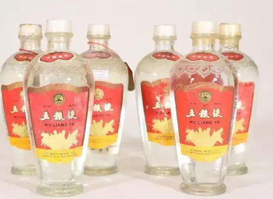 剑南春和五粮液哪一种好喝,喜欢白酒的不要错过