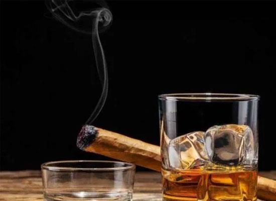 威士忌怎么喝好喝,用饮料勾兑才能喝出新花样
