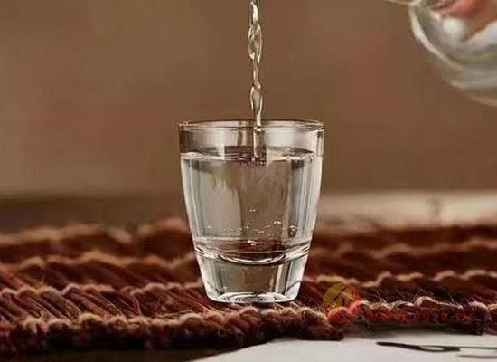 酒桌喝酒应该怎么喝,如何做到适量饮酒
