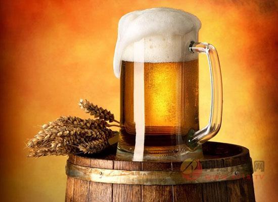 朋友聚会啤酒应该怎么喝,记住这几点啤酒也能喝出精致感