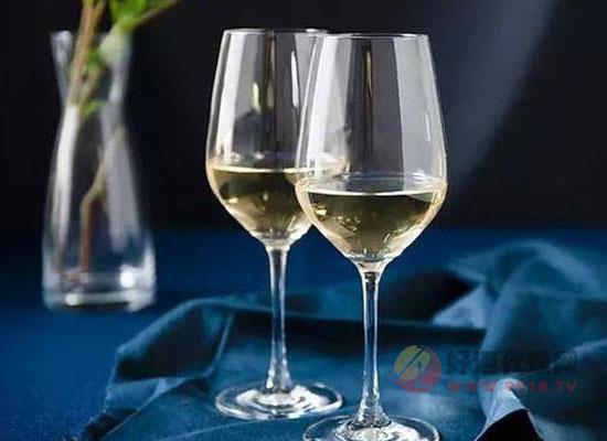 喝酒用杯有什么讲究,赶紧提高一下你的格调吧