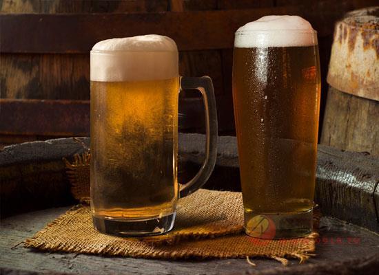 夏季喝啤酒应该注意什么,这四大误区一定要谨记